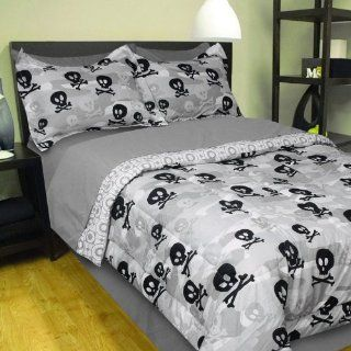 6pc Grey Camo Skulls Crossbones Twin Single Bed in Bag: Home & Kitchen