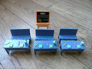 Peppa George Pig Madame Gazelle School Classroom 3 Desks 3 Benches Blackboard