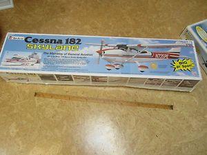 """TF Top Flite Cessna 182 Skylane 06 1 20 1 5 Sport Scale 81"""" Span"""