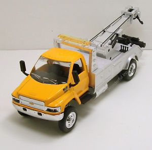 """NewRay Chevy Kodiak C4500 1 43 Scale 8"""" Diecast Model Towing Tow Truck N150"""