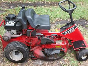 Snapper Riding Mower Model SR928 with 28inch Cutting Deck Needs Work or Parts