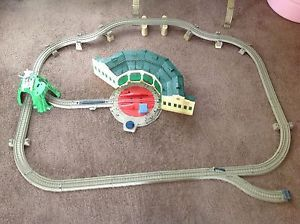 Fisher Price Trackmaster Thomas Friends Tidmouth Sheds Set The Train Motorized