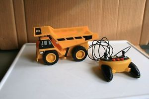 """""""Cat"""" Line Remote Controlled Dump Truck Toy State Sound Movement"""