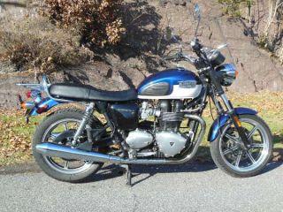 Triumph Bonneville SE Motorcycle Parts