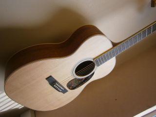 Larrivee OM 02 All Solid Woods OM Size Acoustic Guitar w Hard Case