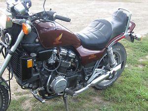 1984 Honda V65 Magna 1100 Motorcycle Maroon Vintage Bike Extra Carbs Forks