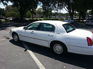 2001 Lincoln Town Car Executive Sedan 4 Door 4 6L