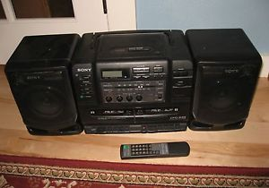 Vintage Sony Am FM Radio Cassette CD Player Boombox CFD 545 with Remote