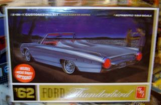 AMT 682 Plastic Model Kit 1962 Ford Thunderbird Customizing Factory SEALED 1 25