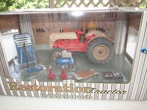 Ertl Farms 1 16 Ford 8N and Garage Equipment Tool Accessories w Box