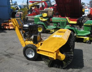 Self Propelled mcd WB Power Broom Kohler Command Pro 8 5 HP 200 RPMs Pull Start
