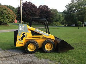 Mustang 940 Skid Loader Tractor Rubber Tire Bob Cat Diesel Engine