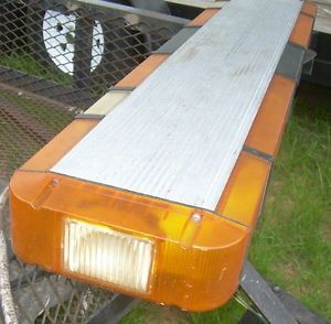 Whelen Edge 9000 Strobe Lightbar Amber Snow Plow Tow Truck Wrecker for Parts