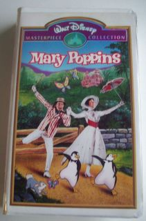 VHS Disney Movie Mary Poppins VHS 1998 Julie Andrews Clamshell 012257023039