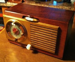Early 1950's GE Clock Radio Clock Keeps Time Radio Hums Classic Style