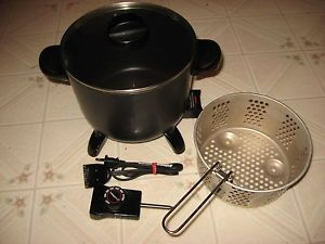 Presto Kitchen Kettle Electric Multi Cooker Roaster Steamer Deep Fryer 0600611