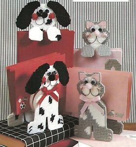 Dog Cat Letter Holders Bookmarks in Plastic Canvas Pattern