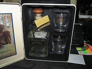 Jack Daniels 2011 Ducks Unlimited Collectable Tin Empty Bottle Glasses