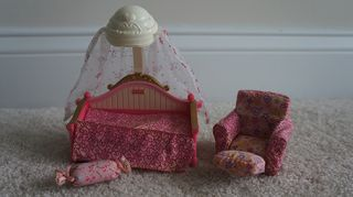 Fisher Price Loving Family Dollhouse Girl Bedroom Furniture Daybed Bed Chair Lot