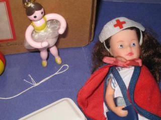 American Girl Molly Christmas BX Nurse Doll Stocking YoYo Paints Ballerina 21S