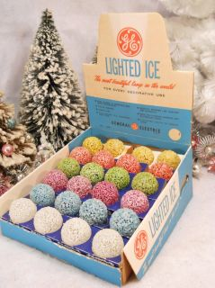 Vintage 1960s GE Display Box 24 Lighted Ice Snowball Old Store Stock Xmas Lights