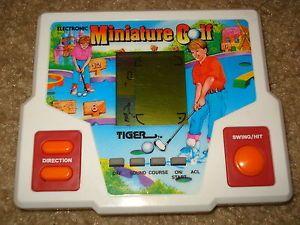 Vintage 1988 Miniature Golf Tiger Electronics Handheld LCD Arcade Video Game