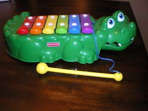 1998 Fisher Price Alligator Xylophone Pull Toy Musical Bells Gator Kids Wheels