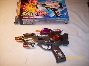 Toy Plastic Space Gun Flashing Lights Sounds Laser Color May Vary Kids 3 8645
