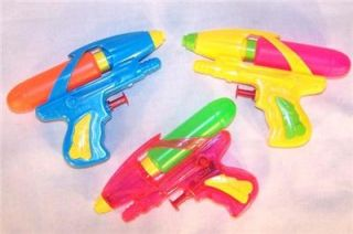 6 Outer Space Water Squirt Gun Squirting Toy 6 in Guns Play Fun Kids New