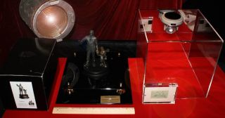 John Kennedy Signed JFK Autograph Bust COA Display Case UACC R R PSA DNA