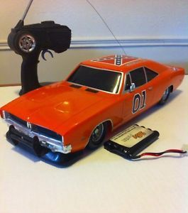 "Dukes of Hazzard ""General Lee"" RC Car 1 10 w Remote Battery Pack No Charger"