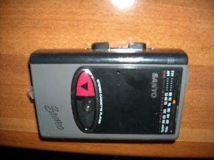Sanyo Portable Am FM Cassette Personal Stereo Player Model Mgr 711
