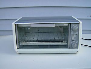 ... Black Decker Spacesaver Toaster Oven Under Cabinet Tro 205 TY2 Toast R  Oven ...