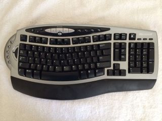 Microsoft Desktop 5000 Wireless Keyboard and Wireless Mouse Bundle