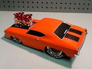 Muscle Machines 69 Chevelle Slammed w Convo Pros Goodyear Tires 1 18