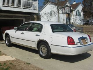 2000 Lincoln Town Car Cartier Sedan 4 Door 4 6L