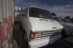 1986 Dodge Commercial Carpet Cleaning Unit Honda Engine in Back