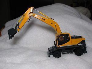 Hyundai Robex 210W 9 Wheel Excavator 1 40 Scale Construction Crane Cars Toys