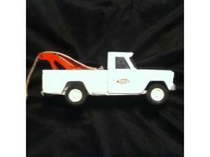 Vintage Toy Tonka Jeep Towtruck Parts or Restore