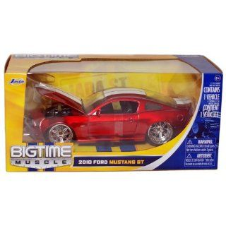 Bigtime Muscle: 2010 Ford Mustang GT 1/24 Scale (Red with White Stripes): Toys & Games