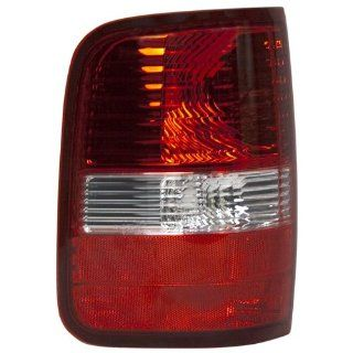OE Replacement Ford F 150 Driver Side Taillight Assembly (Partslink Number FO2800182): Automotive