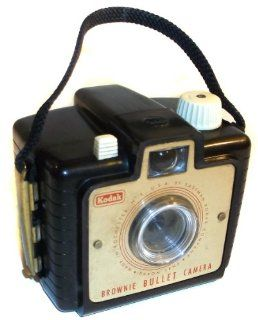 For Parts   1950's Vintage Kodak Brownie Bullet 127 Film Bakelite Box Camera: Everything Else