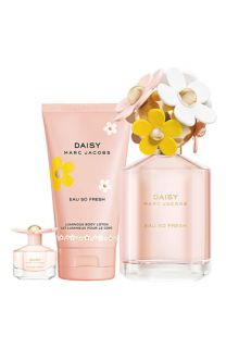 MARC JACOBS Daisy Eau So Fresh Gift Set ($127 Value)