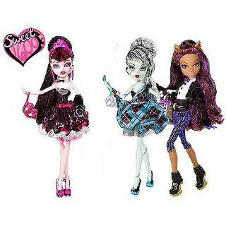 Monster High Sweet 1600 Doll Case: Toys & Games