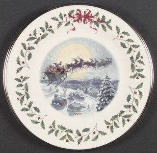 Lenox China Holiday Annual Christmas Plate with Box, Collectible   2654425 Kitchen & Dining