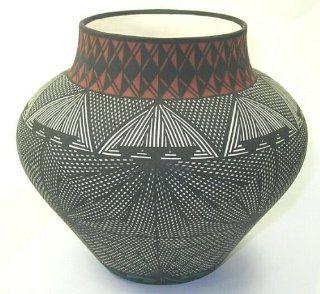 Acoma Pueblo Pottery Vase ~ 7.5 Inch   Decorative Vases